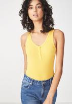 Cotton On - Abbie summer henley scoop sleeveless bodysuit - yellow