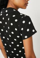 Superbalist - Soft shirt with buttons -  black & white