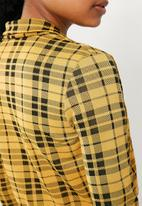 Missguided - Clueless check crop blazer - yellow