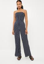 Missguided - Tie back bandeau culotte jumpsuit - navy