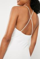 Missguided - Scuba 90s neck lace frill midi dress - white