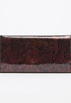 Moda Scapa - Shimmer Paisley Purse Red