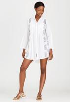 London Hub - Pintuck Shirt White