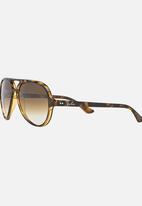 b8a7bea183 Ray-Ban Classic Cats 5000 Sunglasses Mid Brown Ray-Ban Eyewear ...