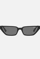 Vogue - Gigi Hadid Slim Cat-Eye Sunglasses - black