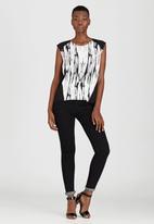 Kate Jordan - Contrast Vest Black and White