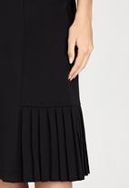 edit - Side Pleated Skirt Black