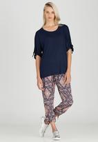 Slick - Olivia T-shirt with Sleeve Detail Navy