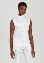 Judith Atelier - Sleeveless Pleated Blouse White