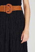 Revenge - Belted Crinkled Midi Skirt Black