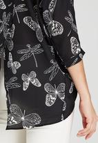 Revenge - Dragonfly & Butterfly Print Shirt Black and White