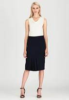 edit - Front Pleat Detailed Semi-fitted Skirt Navy