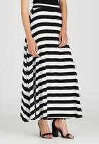 edit - Maxi Fit and Flare Skirt Black and White