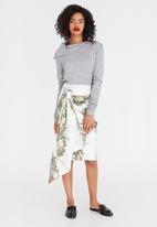 Judith Atelier - Marbled Frill Pencil Skirt Milk