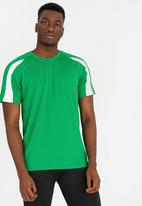 STYLE REPUBLIC - AWDIS Active Tee Green
