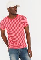STYLE REPUBLIC - Granpa Striped Tee Red