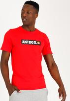 Nike - Nike Sportswear T-Shirt Red