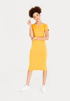 c(inch) - Fitted T-Shirt Dress Yellow