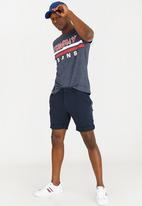 Tommy Hilfiger - Chino rolled hem shorts - navy