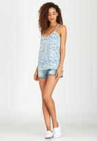 Lizzy - Floral Angelou Cami Mid Blue