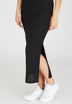 STYLE REPUBLIC - Ribbed Maxi Dress Black