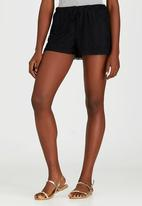 c(inch) - Lace Shorts Black