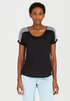 edit - Combo T-shirt Black and White