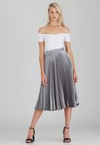 STYLE REPUBLIC - Pleated Midi Skirt Silver