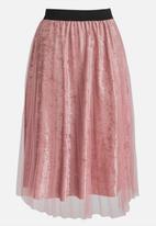 STYLE REPUBLIC - Mesh Overlay Skirt Rose