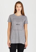 c(inch) - High-low T-shirt Pale Grey