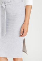 c(inch) - Self-tie Midi Skirt Grey