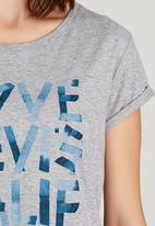 Levi's® - Marina Tee Love Grey