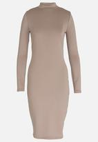 c(inch) - Fitted Bodycon Dress Taupe