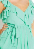 City Chic - Ruffle tunic light Green