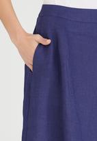 Jenja - Linen Dart Detail Skirt Navy