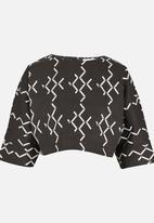 Chulaap - 3/4 Sleeve Diamond Print Box Top Black and White