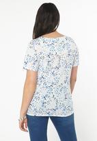 EVANS - Floral Embroidered Hem T-Shirt Off White