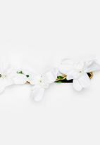Jewels and Lace - Floral Headband White