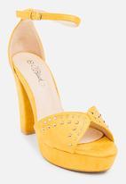 Miss Black - Lana Block Heels Yellow