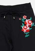 Rebel Republic - Flower Embroidered Pants Black