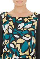 CRAVE - Bold print tunic