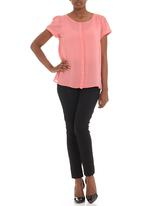 LABEL FEMME - Shortsleeved blouse with concealed stand