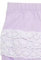 Just chillin - Bloomers with lace