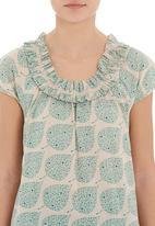 Jenja - Ruffle blouse in green