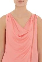 Yes - Top with front zip Coral