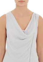 Yes - Top with front zip Silver