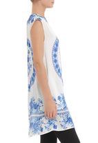 Cheryl Arthur - Blue sleeveless tunic with Delft print