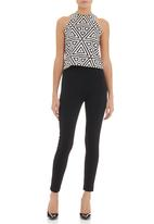 Leigh Schubert - Top with tribal print Black/White
