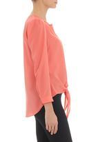 CRAVE - Tie front blouse