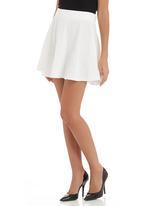 STYLE REPUBLIC - Embossed skater skirt